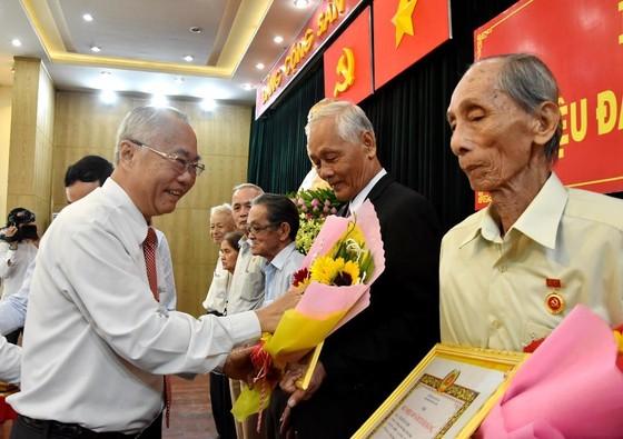 Hóc Môn: 72 đảng viên nhận Huy hiệu Đảng đợt 2-9 ảnh 3