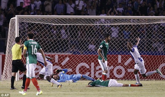Tuyển Mỹ mất vé dự VCK World Cup 2018 ảnh 1