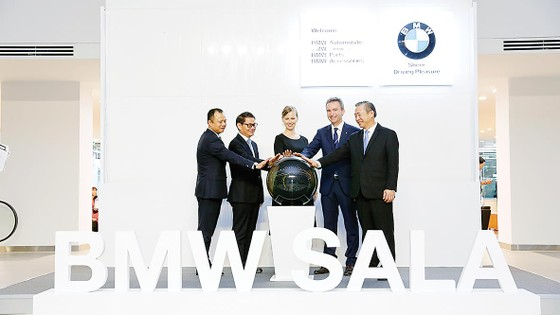 Thaco khai trương tổ hợp showroom 3 thương hiệu BMW, MINI và BMW MOTORRAD tại TPHCM ảnh 1