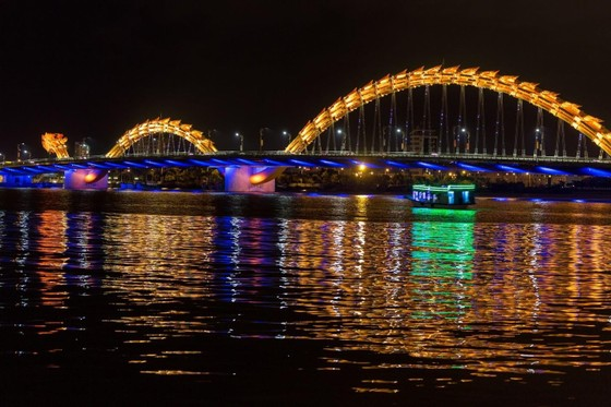 Kinh tế ban đêm - Bài 3: 'Khoảng trống' kinh tế ban đêm - Câu chuyện nhìn từ Đà Nẵng ảnh 1