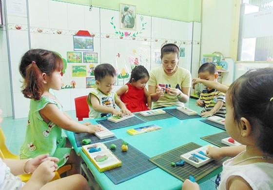 Các trường mầm non tại TPHCM có được nhận giữ trẻ dip hè này?  ảnh 1