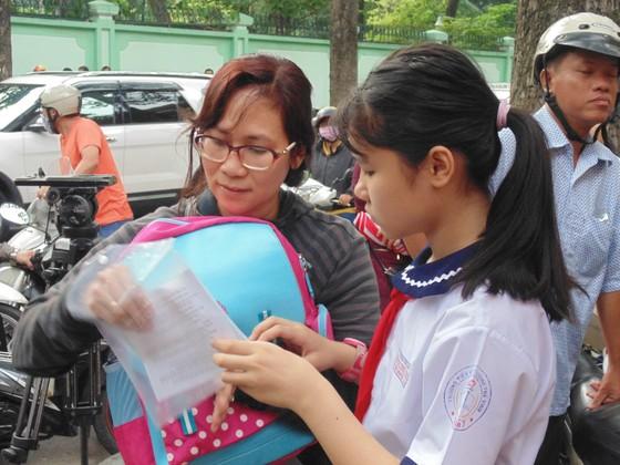 Hơn 4.000 thí sinh căng thẳng tranh suất vào lớp 6 Trường THPT chuyên Trần Đại Nghĩa ảnh 6