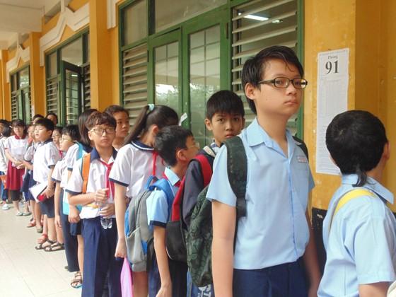 Hơn 4.000 thí sinh căng thẳng tranh suất vào lớp 6 Trường THPT chuyên Trần Đại Nghĩa ảnh 3
