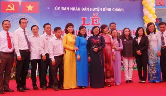 Công bố quyết định thành lập Trường Tiểu học Huỳnh Văn Bánh ảnh 1