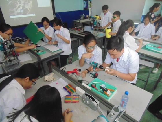 Học sinh trường Lê Quý Đôn hào hứng trải nghiệm cùng tiết học STEAM ảnh 7