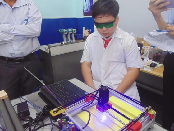 Học sinh trường Lê Quý Đôn hào hứng trải nghiệm cùng tiết học STEAM ảnh 5