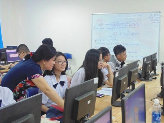 TPHCM lần đầu tiên đưa công nghệ thông tin vào giáo dục hướng nghiệp ảnh 2