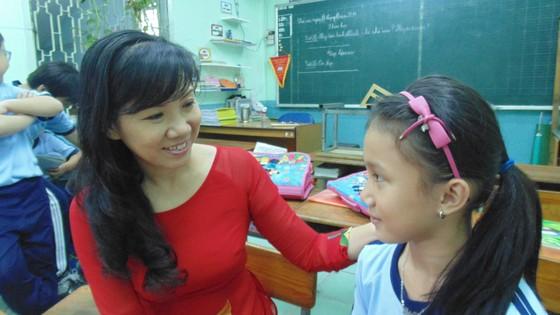 Nhiều băn khoăn xung quanh chính sách chi thu nhập tăng thêm cho giáo viên ảnh 1