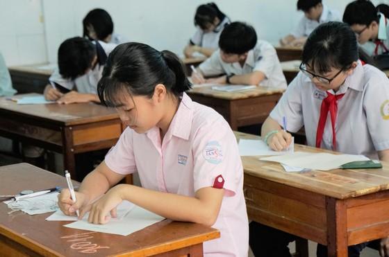 Hơn 80.000 thí sinh TPHCM bước vào môn thi đầu tiên kỳ thi tuyển sinh lớp 10 ảnh 13