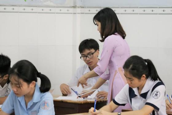 Hơn 80.000 thí sinh TPHCM bước vào môn thi đầu tiên kỳ thi tuyển sinh lớp 10 ảnh 12