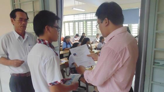 Hơn 80.000 thí sinh TPHCM bước vào môn thi đầu tiên kỳ thi tuyển sinh lớp 10 ảnh 4