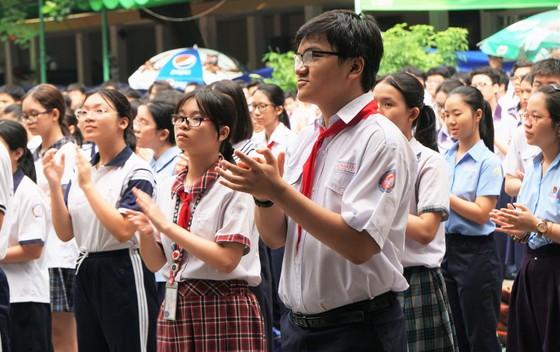 Hơn 80.000 thí sinh TPHCM bước vào môn thi đầu tiên kỳ thi tuyển sinh lớp 10 ảnh 6