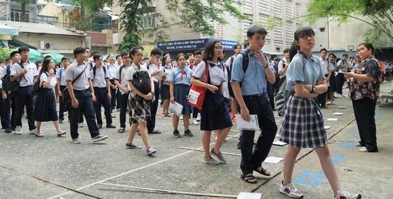 Hơn 80.000 thí sinh TPHCM bước vào môn thi đầu tiên kỳ thi tuyển sinh lớp 10 ảnh 11