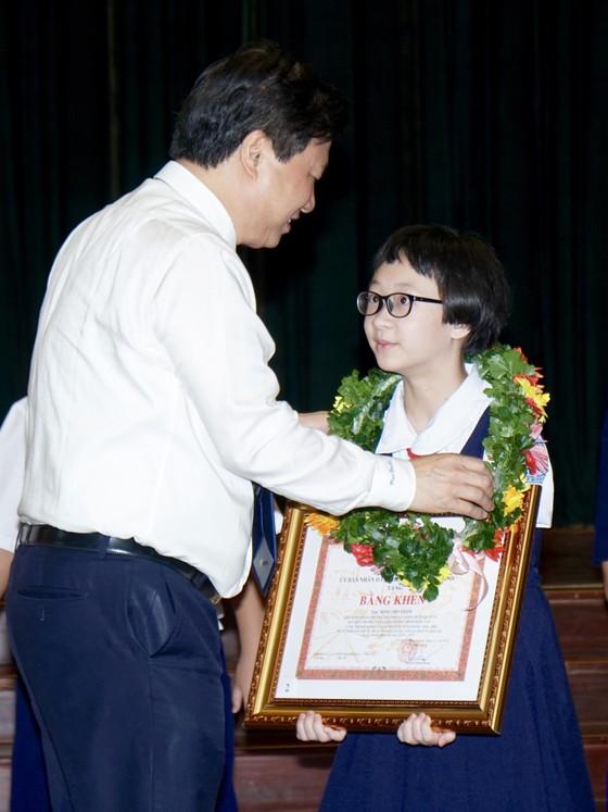 TPHCM tuyên dương, khen thưởng 618 học sinh giỏi tiêu biểu ảnh 4