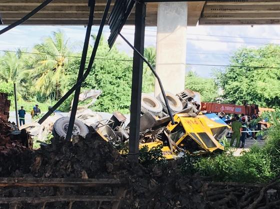 Bến Tre: Va chạm giao thông làm 1 người chết 2 người nguy kịch ảnh 1