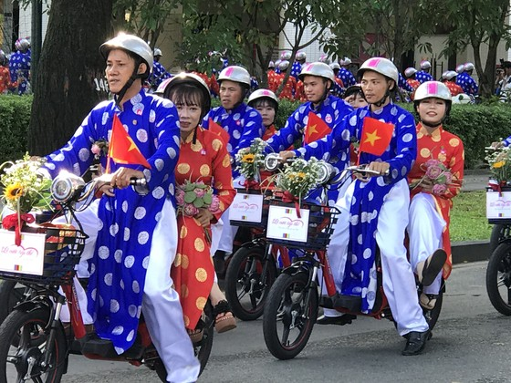 100 cặp đôi công nhân nên duyên mừng ngày Quốc khánh 2-9 ảnh 3