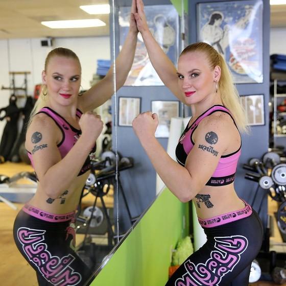 """Tài sắc vẹn toàn, Shevchenko được xem là ứng viên thay thế """"Nữ hoàng"""" Ronda Rousey"""