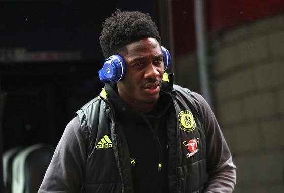 Ola Aina có một tương lai ở cả tuyển Nigeria lẫn Chelsea