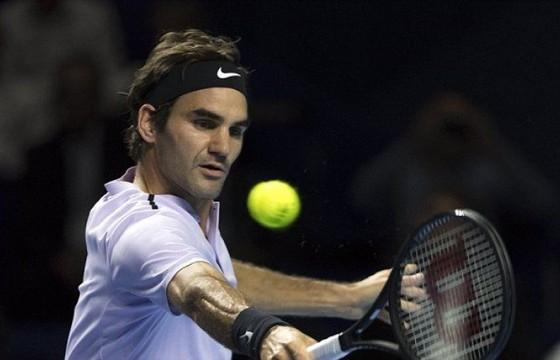 Roger Federer lọt vào bán kết ở Basel