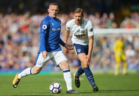 Wayne Rooney (trái, Everton) là mối đe dọa lớn cho Atalanta. Ảnh: Getty Images.