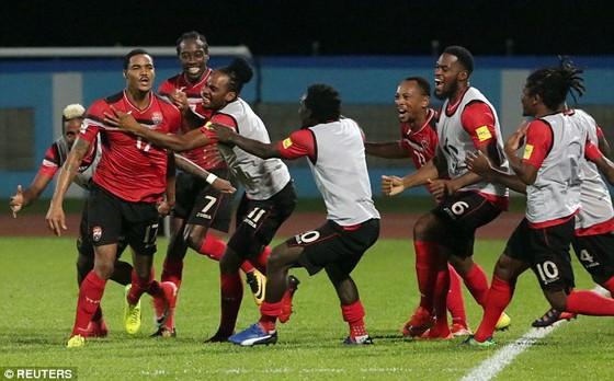 Các cầu thủ Trinidad and Tobago trong trận thắng 2 - 1 trước tuyển Mỹ. Ảnh: REUTERS