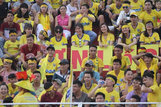 CĐV Thanh Hóa luôn đồng hành cùng đội nhà trong các trận đấu trên sân khách. Ảnh: THFC