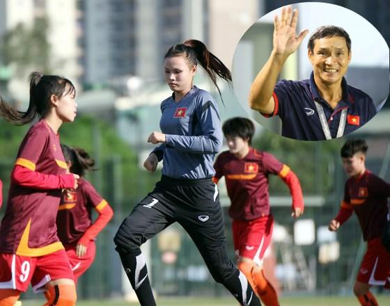 Đội U19 nữ Việt Nam chuẩn bị cho giải châu Á. (Ảnh: VFF)