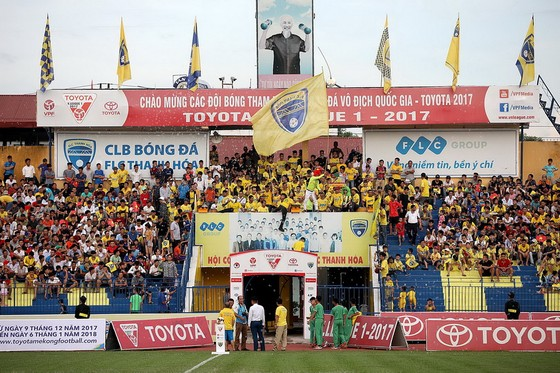 Khán giả Thanh Hóa chờ tin vui của đội nhà