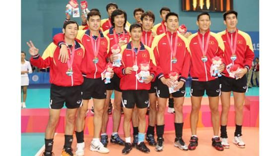 Đội tuyển bóng chuyền nam Việt Nam giành HCB tại SEA Games 28-2015. Ảnh: HUY THẮNG
