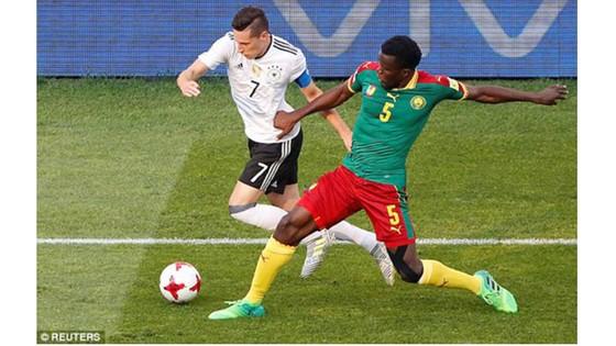 Cameroon (áo xanh) trong trận thua Đức 1 - 3 tại Confederations Cup 2017 tại Nga. Ảnh: REUTERS
