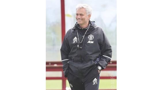 HLV Jose Mourinho bày tỏ sự hài lòng với chuyển động hiện tại.