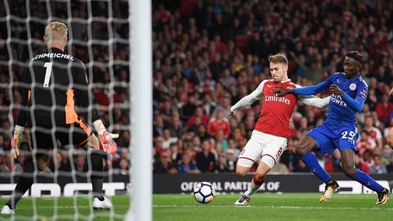 Aaron Ramsey ghi bàn quân bình tỷ số 3 - 3 cho Arsenal. Ảnh: Reuters
