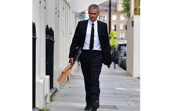 HLV Mourinho được ví là người dễ kiếm tiền nhiều nhất thế giới