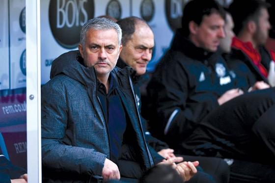 Jose Mourinho thật sự phải lo trước bài toán nhân sự ở mùa tới.