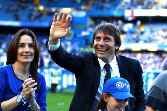 Sau niềm vui đăng quang, HLV Antonio Conte sẽ phải chia tay vì bất đồng?