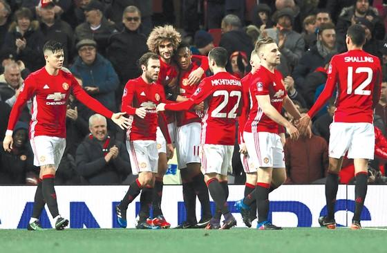 Man.United là đội bóng có doanh thu cao nhất nhì Premier League.