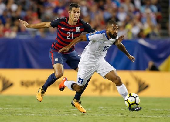 Martinique (phải) sẽ quyết tâm để vào được tứ kết