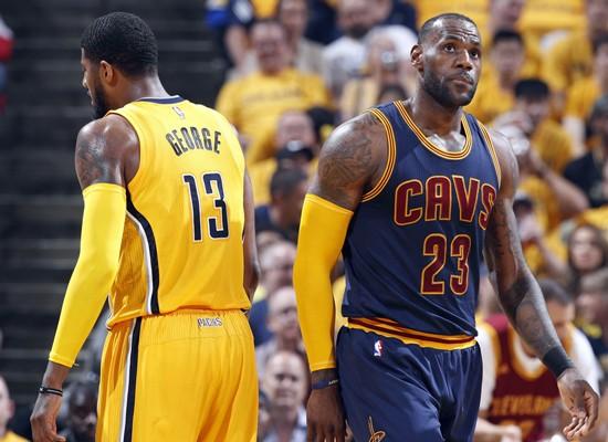 LeBron James đã chơi cực hay, giúp Cavs ngược dòng ngoạn mục