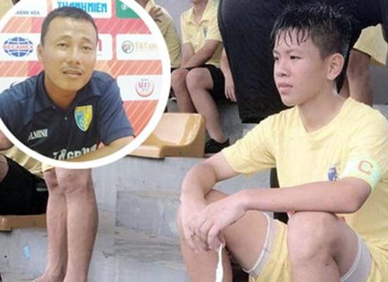 Cầu thủ Vũ Tiến Long khẳng định chuyện HLV Hồng Minh dọa cắt chân là sự thật 100%. Ảnh: T.L.