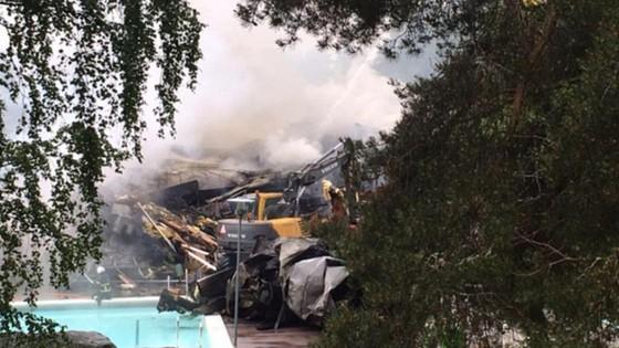 Hiện trường vụ cháy tại CLB cũ của Lindelof