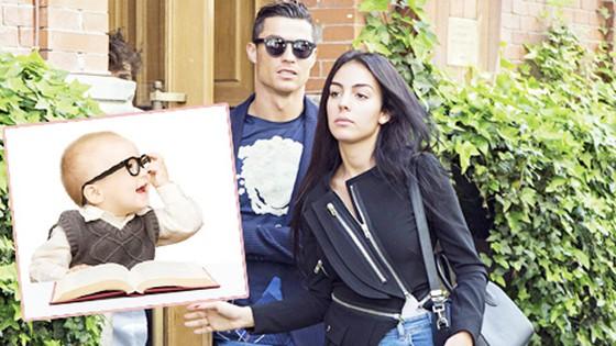 """Ronaldo muốn vung tiền để có một đứa con """"hoàn hảo"""""""