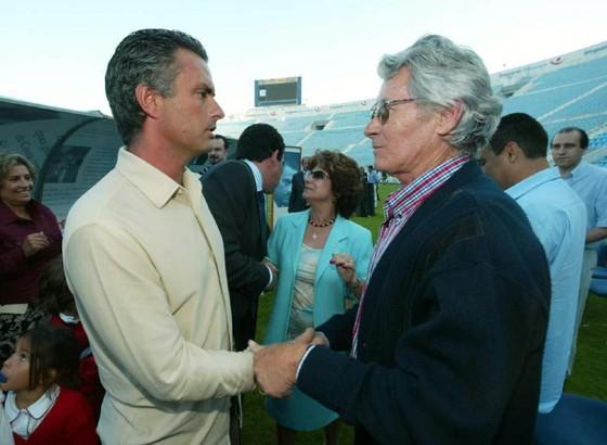 Mourinho và cha vào năm 2003