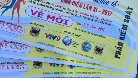 """  Vé xem các trận đấu tại Cúp VTV9 Bình Điền lần thứ 11 đang trở thành hàng """"hot"""". Ảnh: Dũng Phương"""