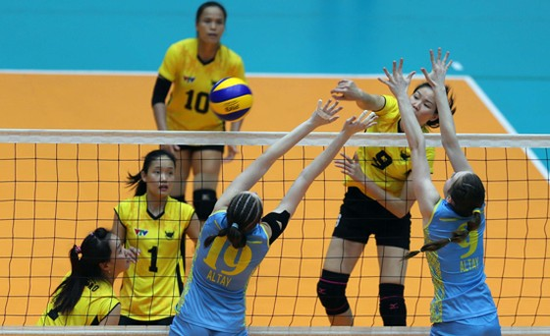 Vai trò của đội trưởng Ngọc Hoa (9) trong cuộc đối đầu với CLB Vân Nam là rất lớn.