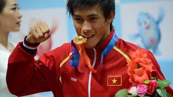 Nguyễn Trần Duy Nhất là một trong 2 võ sĩ  giành HCV cho đội tuyển muay Việt Nam tại Giải muay Thái thế giới.