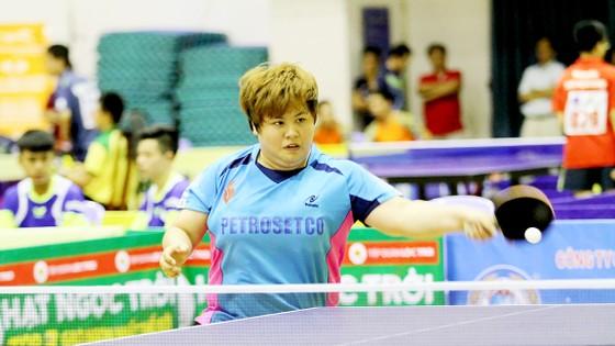 Mỹ Trang tiếp tục thể hiện phong độ xuất sắc, giúp Petrosetco TPHCM bảo vệ thành công chức vô địch đồng đội nữ Ảnh: HOÀNG MINH