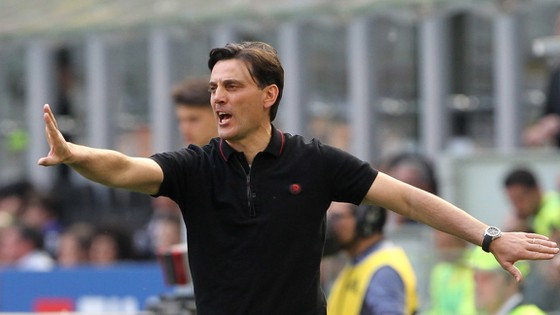 HLV Vincenzo Montella đã đồng ý triển hạn với Milan sau khi nghe đề án lớn lao của đội.