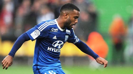 Không thể đến với Atletico vào mùa hè này, Alexandre sẽ tiếp tục ở lại Lyon?