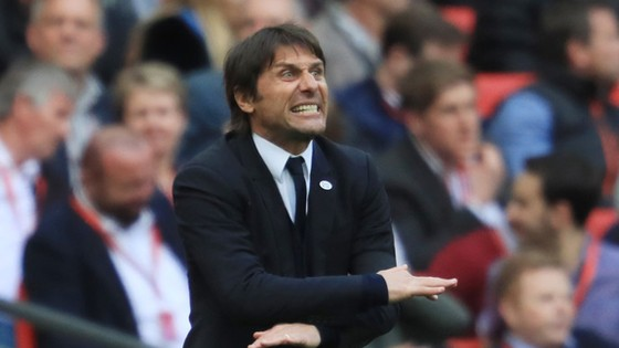 Phút nóng giận của HLV Conte đã đẩy bản thân ông và ban lãnh đạo vào tình huống khá phức tạp.