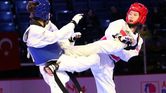 Nữ võ sĩ Hồ Thị Kim Ngân (giáp đỏ) là một trong những niềm hi vọng của Việt Nam tại giải. Ảnh: WTF